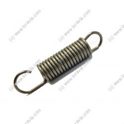 Carburetor fixation spring